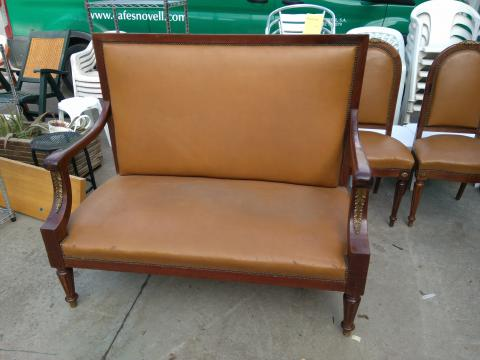 SOFA CAOBA TAPI MARRON